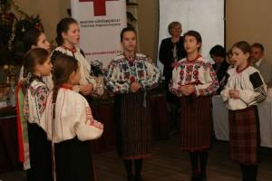 voroskereszt-karacsony2014011